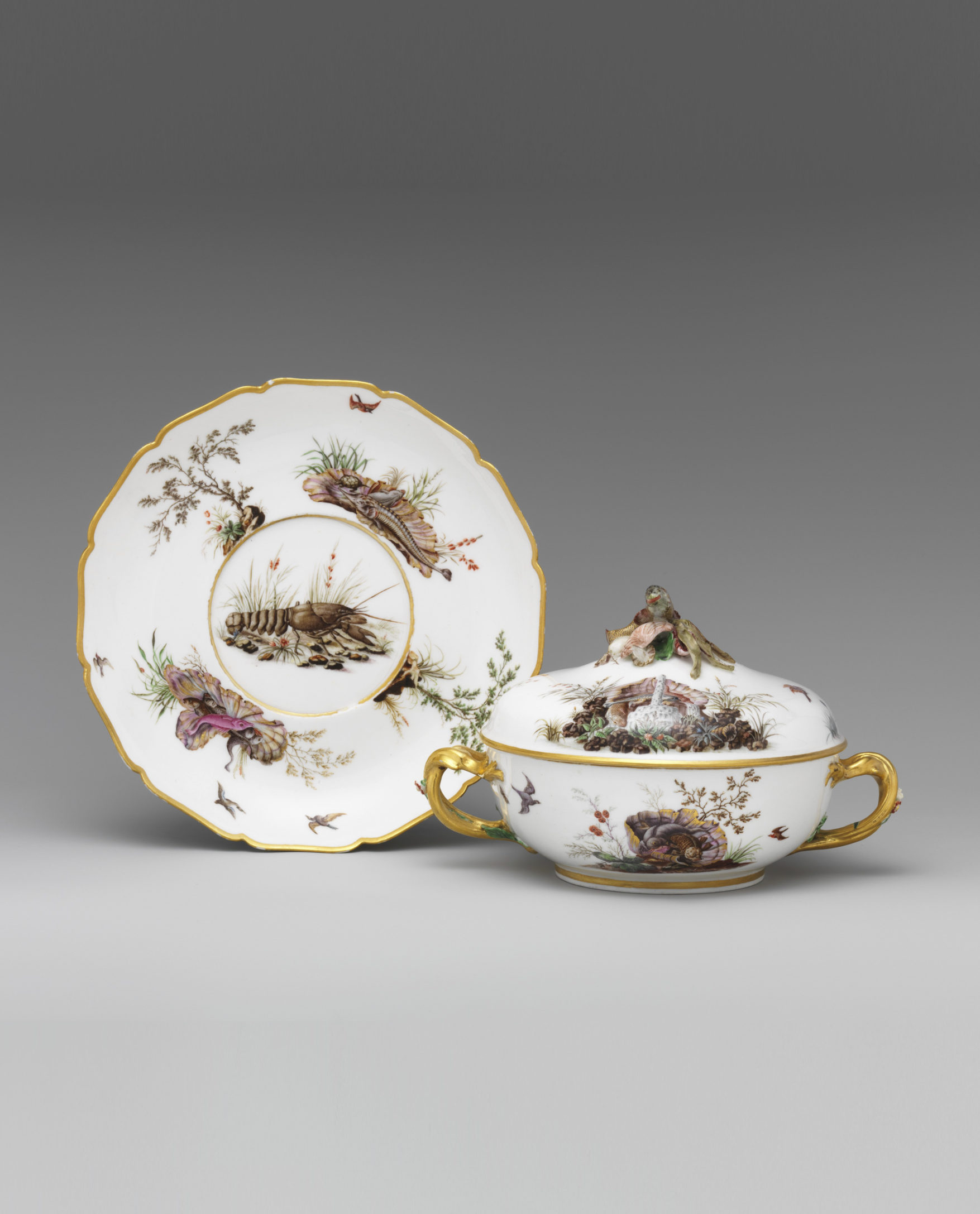 Broth bowl and stand (écuelle ronde et plateau rond), c. 1752-3. (Metropolitan Museum of Art, New York, Inv. no. 50.211.168a, b, .169)