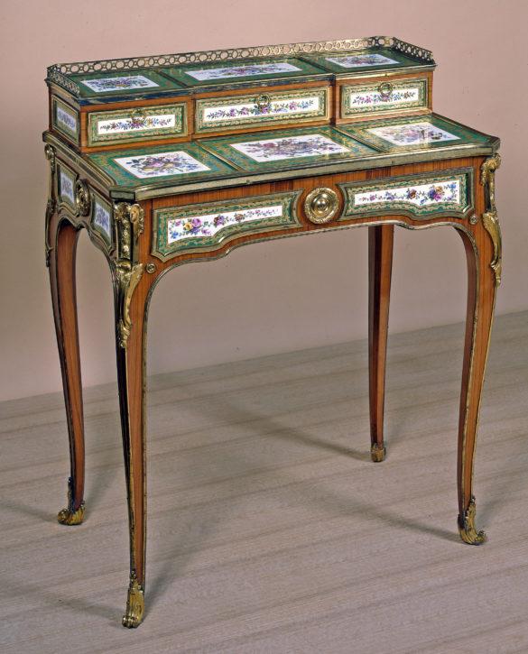 Sèvres porcelain-mounted bonheur du jour. (Bowes Museum, Barnard Castle, Co, Durham, Inv. no. 1985.4/FW)