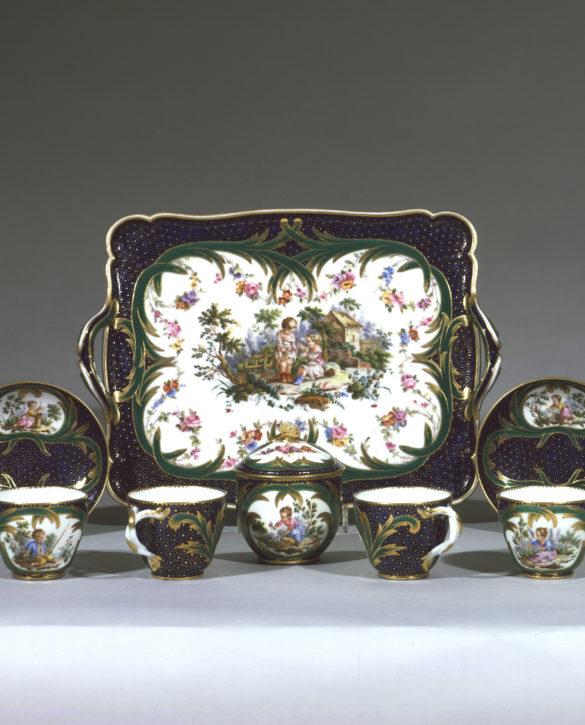 Sèvres porcelain tea service (plateau 'Courteille' and déjeuner'Courteille', 1758-9, decorated by André-Vincent Vielliard. (© The Wallace Collection, London. Inv. no. C401-6)
