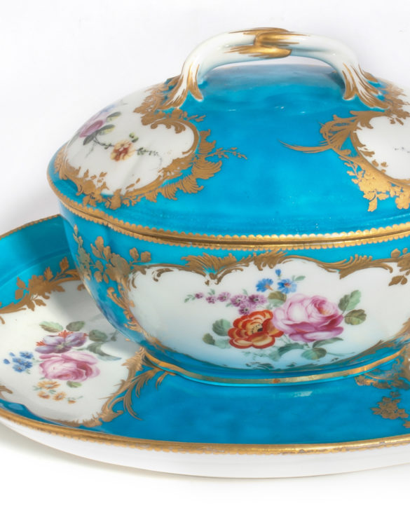 Vincennes covered sugar bowl and stand (sucrier et presentoir) from the Louis XV service, 1753. Boughton House, Northamptonshire. (By kind permission of the Duke of Buccleuch and Queensberry, KBE)