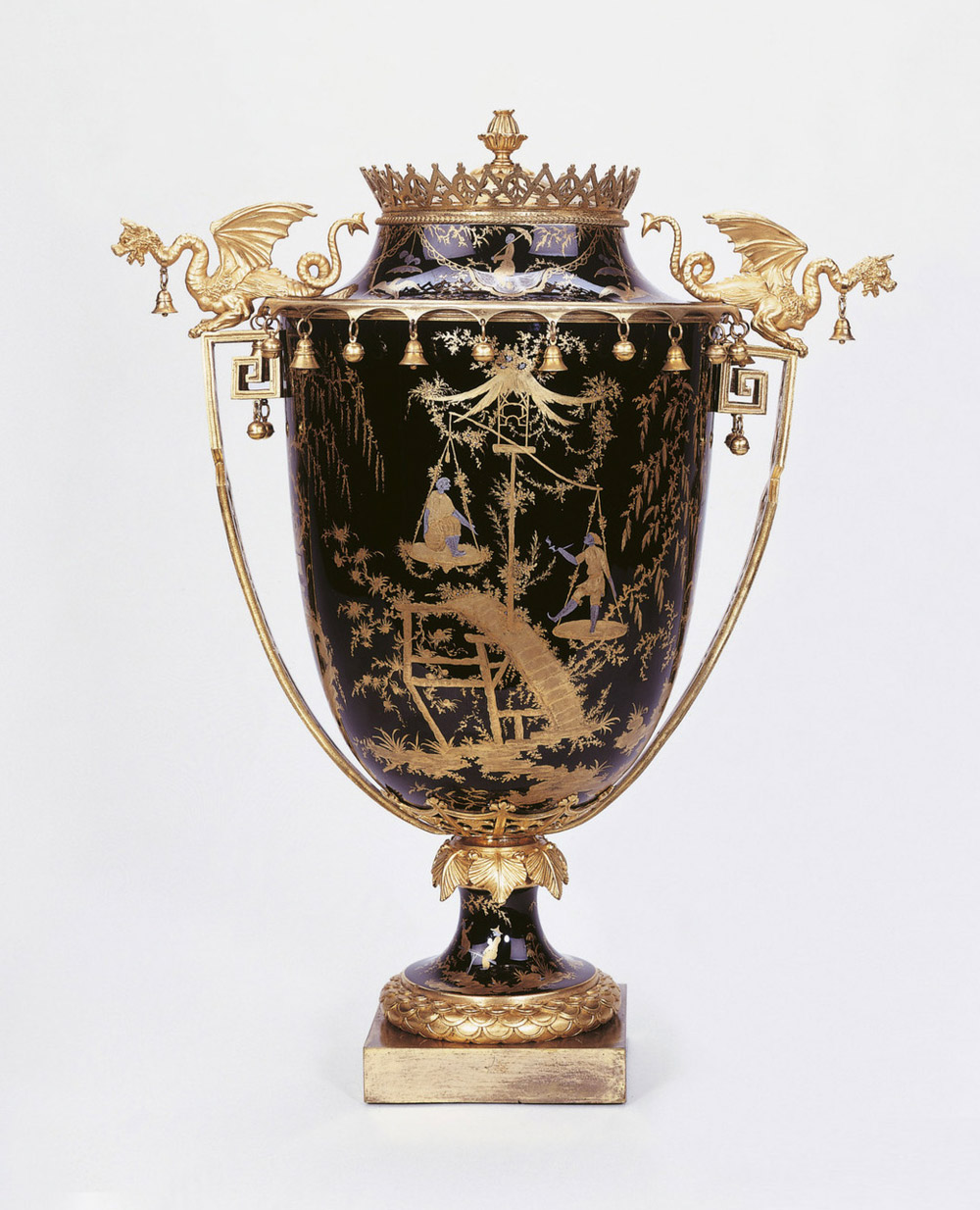 Sèvres Vase à monter, one of a pair, 1790-92. (Royal Collection Trust/© Her Majesty Queen Elizabeth II 2017. RCIN 2347)