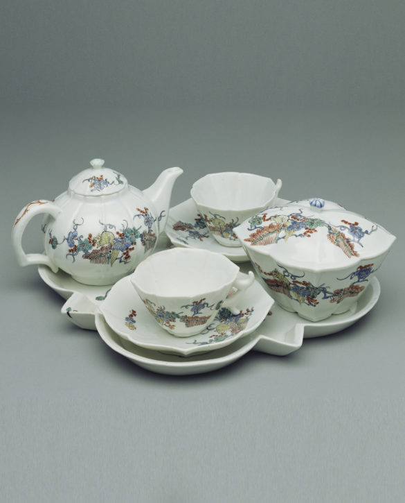 Tea service for two, with Japanese 'Squirrel and Grapevine' pattern, Chantilly, 1730-35. (The J. Paul Getty Museum, Los Angeles, Inv. no. 82.DE.167)