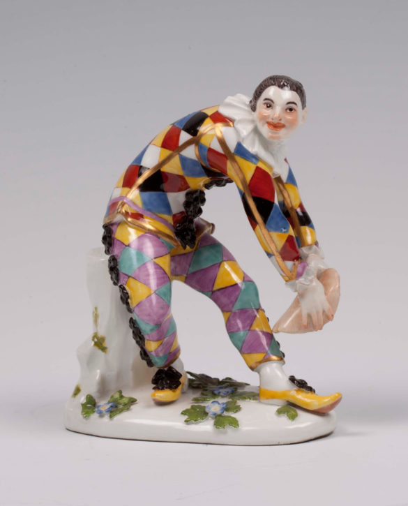 The Greeting Harlequin modelled by Johann Joachim Kändler, Meissen, 1740. Formerly in The Mrs. Gubbay Collection at Clandon Park, Surrey, destroyed in the fire in 2014. (National Trust Images/Robert Morris, Inv. no. NT 1440281)