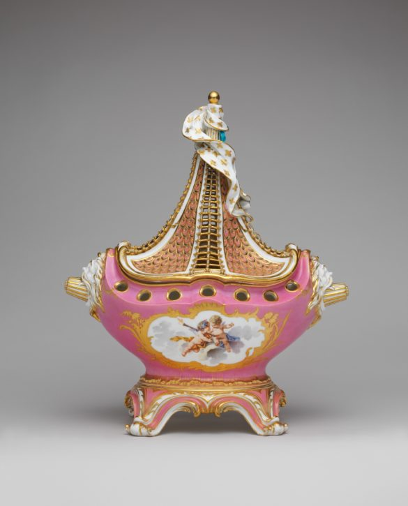 Sèvres pot pourri vase or pot-pourri 'à vaisseau', 1758. (Metropolitan Museum of Art, Gift of Samuel H. Kress Foundation, 1958, Inv. no. 58.75.89a, b)